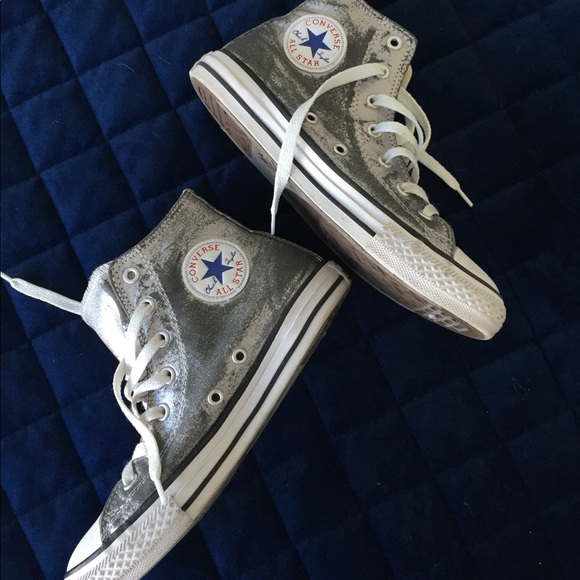 new lower prices how to buy 100% top quality MOVING SALE🔥 CUTE SILVER CONVERSE HIGH TOPS